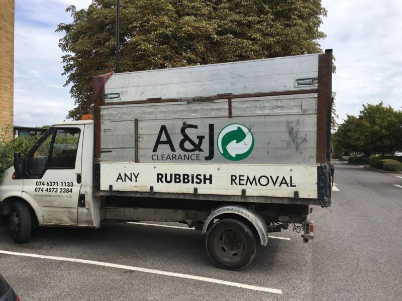 rubbish removal car